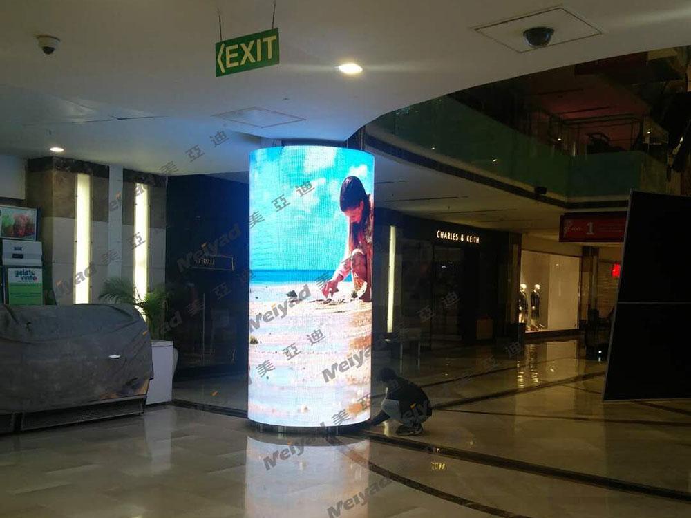 印度购物中心室内P4柔性LED屏