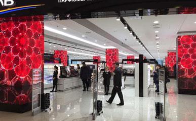 俄罗斯星斗商城P2.5室内高清广告LED显示屏132㎡-美亚迪光电