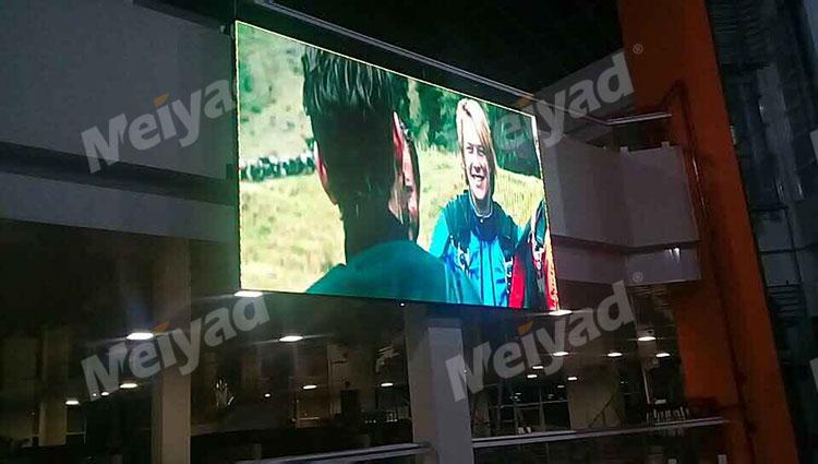 LED彩色显示屏实用于大型体育馆具体功能有哪些?