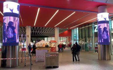 室内P5 LED圆柱屏应用于意大利某商场