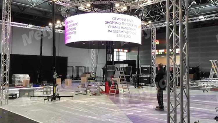 德国展会P4户内LED圆柱屏