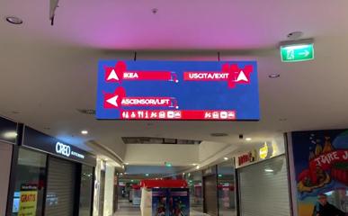 意大利购物中心双面户内P4 LED广告屏
