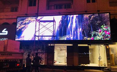 卡塔尔P6户外LED节能屏显示屏
