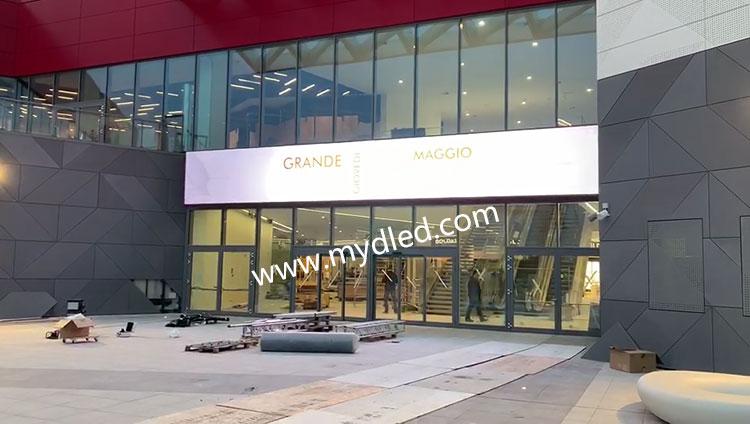 意大利商业中心P6户外LED广告屏