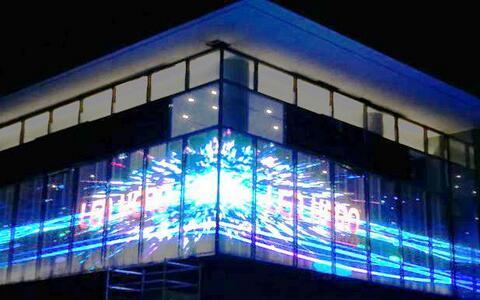 LED透明屏,户外LED显示屏与透明LED显示屏的有哪些区别呢?美亚迪光电分析