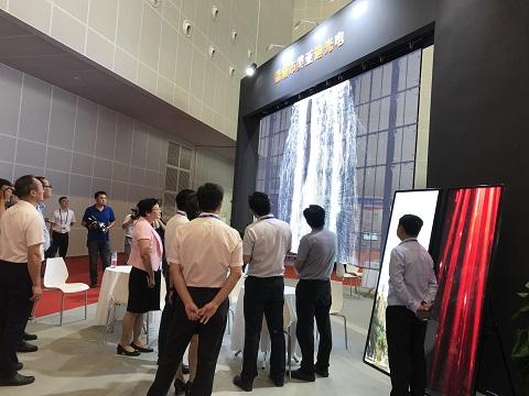 LED透明显示屏 美亚迪东盟博览会展示