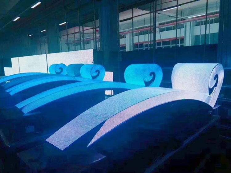 户外P3柔性异形浪花屏出厂前车间调试