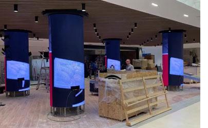 意大利购物中心P5圆柱屏